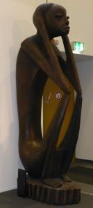 Diese Holzskulptur schmückte den angolanischen Stand auf der ITB. (Foto: Eckert)