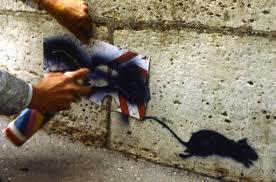 Der französische Künstler Blek le Rat Blek le Rat gilt als der Urvater der Stencil-Kunst im öffentlichen Raum. © bowlegsmusic.com