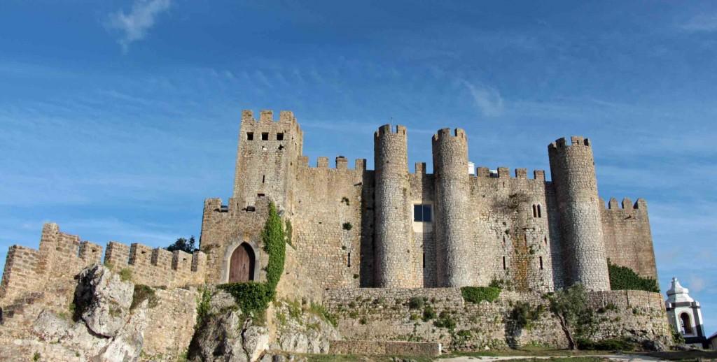 In dem Castelo de Obidos lebten die Königinnen, die traditionell die Stadt zur Hochzeit geschenkt bekamen. Heute beherbergt die alte Burg eine Pousada. © Miriam Eckert