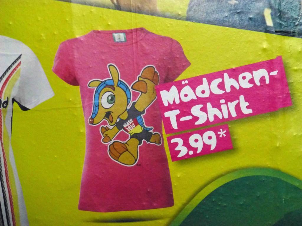 Das ist das Tatubola T-Shirt für Mädchen zur WM in Brasilien. ©Miriam Eckert