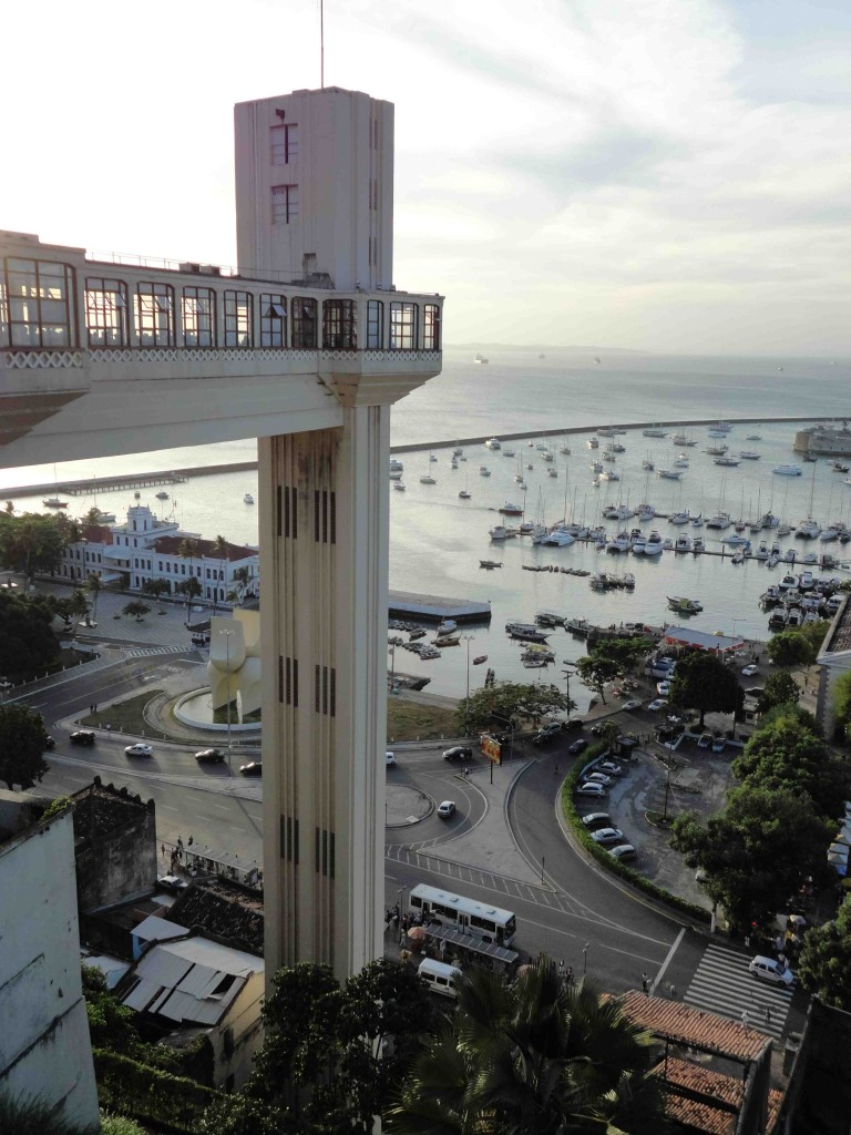 Der Blick von der Plattform des Elevador über den Hafen ist fantastisch. ©Miriam Eckert