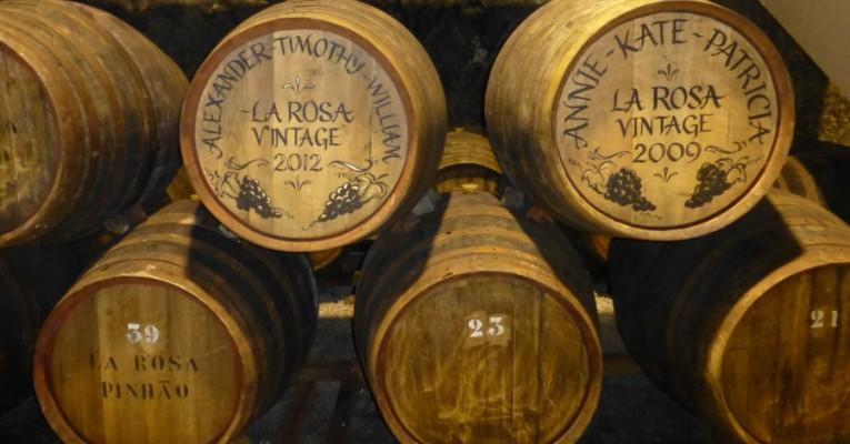 In diesen Fäßern lagert der Vintage Portwein der Quinta de la Rosa in Pinhão im oberen Dourotal