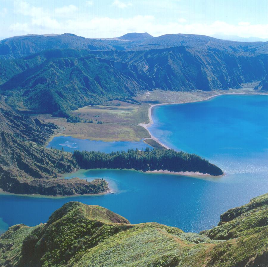 Der Lago Fogo auf der Azoren-Insel São Miguel. © Turismo dos Açores