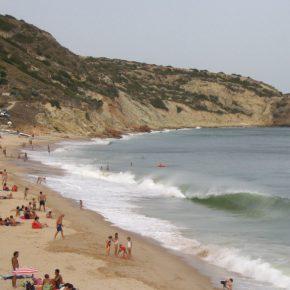 Strand Salema an der Algarve in Portugal